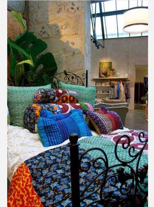 Bohemian inspired bedroom: Vibrant room