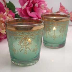 Bohemian Inspired bedroom: colourful tea glasses