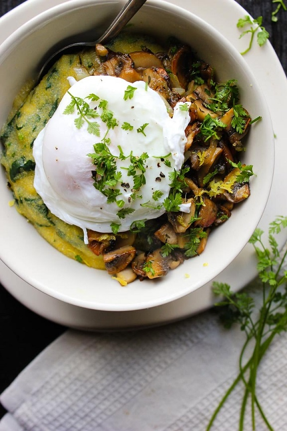 Put an egg on it: Polenta bowl