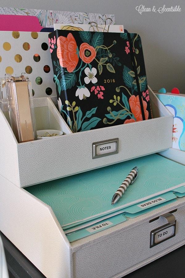 desk organization: Desk organizer
