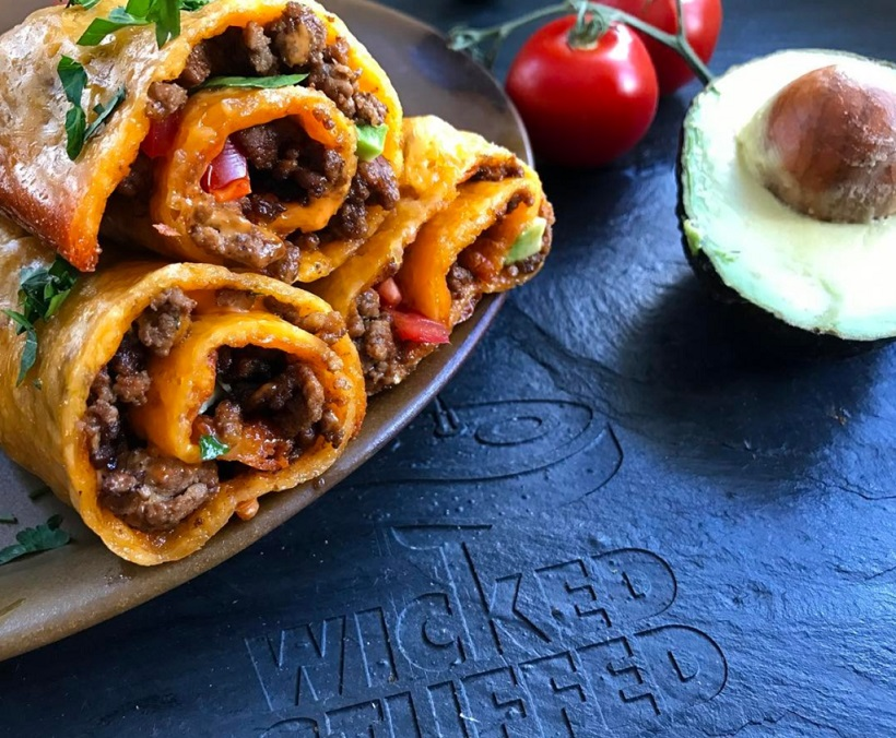 Low carb keto bread recipes:Cheddar wrapped taco rolls