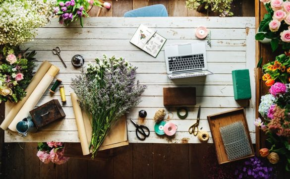 Desk organization tips to be more creative
