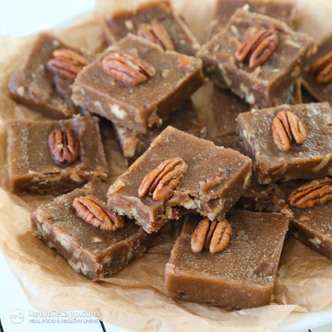 Keto fat bombs for weight loss : maple and pecan fudge fat bombs