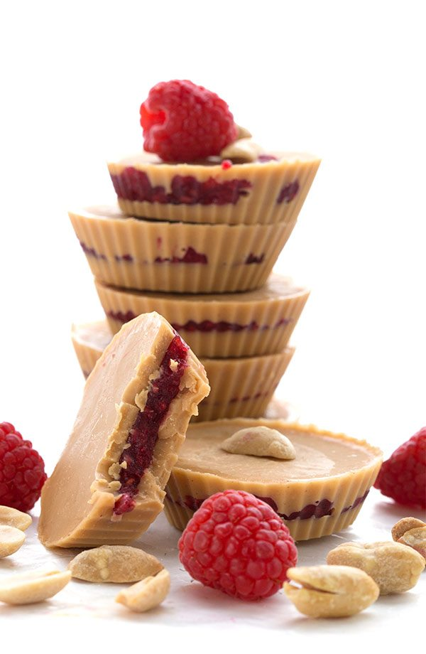 Keto fat bombs for weight loss: peanut butter and jam cups