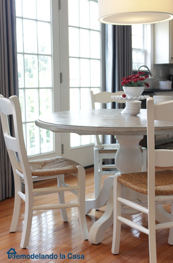 Furniture makeover ideas: Painted Breakfast table
