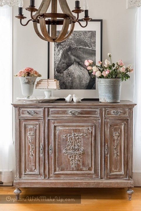 Furniture makeover ideas: whitewashed dresser