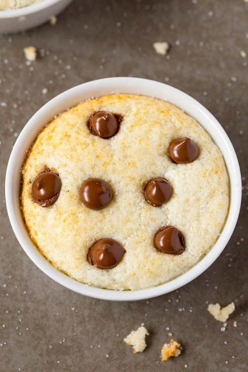 keto mug cakes: vanilla mug cake