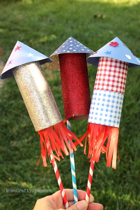 DIY fourth of July decorations: Toilet Paper Roll Rockets