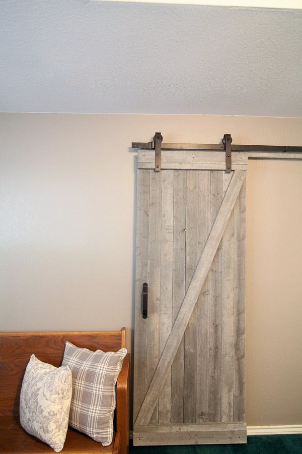 diy farmhouse decor: barn style door