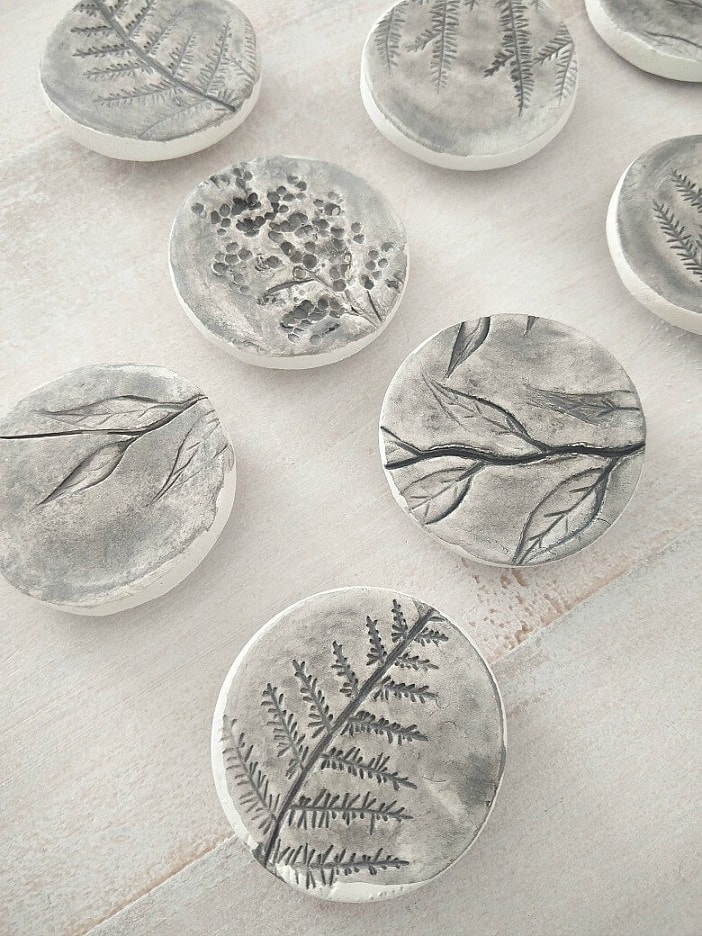 air dry clay projects: air drying clay leaf magnets