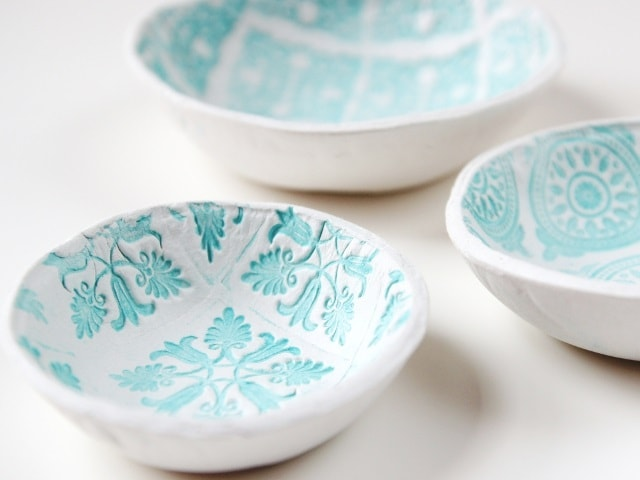 air dry clay projects: stamped bowls