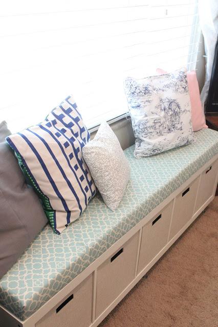 bedroom organization: bench