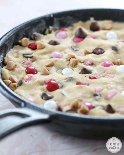 Valentines Day Desserts: Skillet Cookie Cake