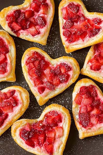 Valentines Day Desserts: Strawberry Cream Cheese Breakfast Pastries