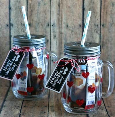 Valentines Day Gift Ideas: Glittered Heart Mason Jar Tumblers